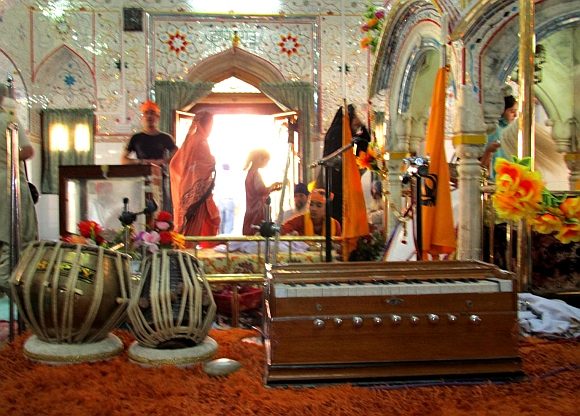 An inside view of the Punja Sahib