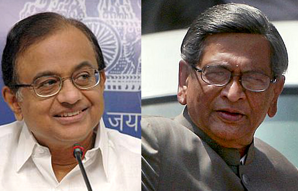 Make Chidambaram FM, Krishna should retire
